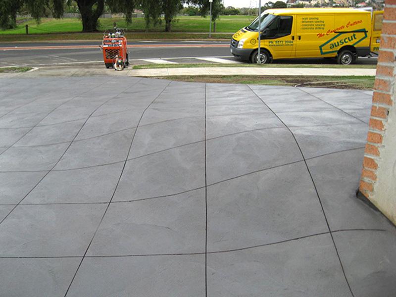Pattern cut driveway
